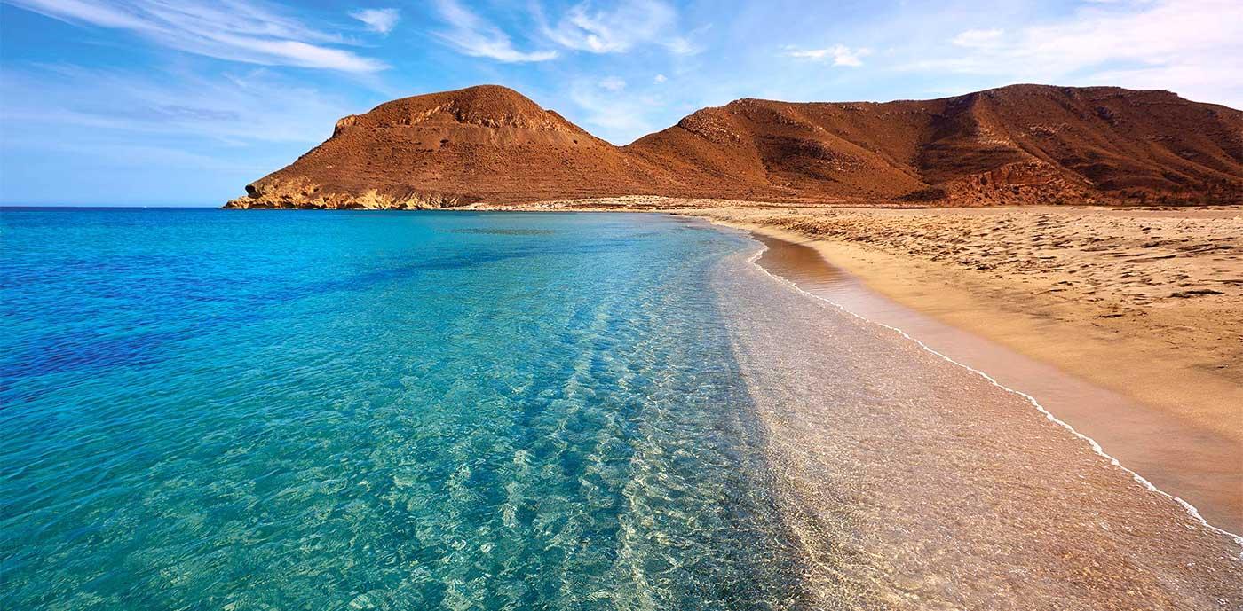 Playa y desierto en Almería